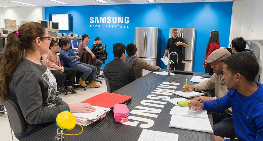 Samsung Canada extends partnership with Centennial College as part of The Samsung Tech Institute initiative Image