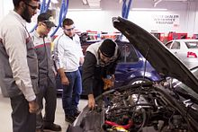 Work and school time options for automotive apprenticeships Image