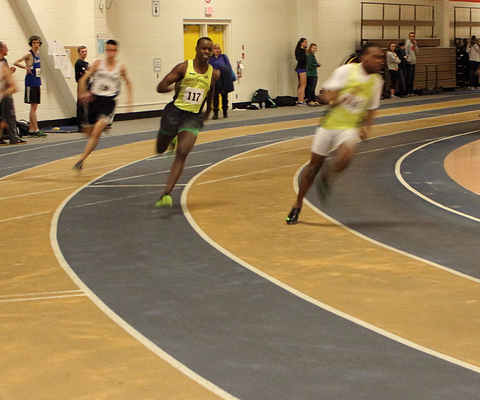 Picture of Centennial College student and Colts cross country and indoor track athlete Lugei Juma running