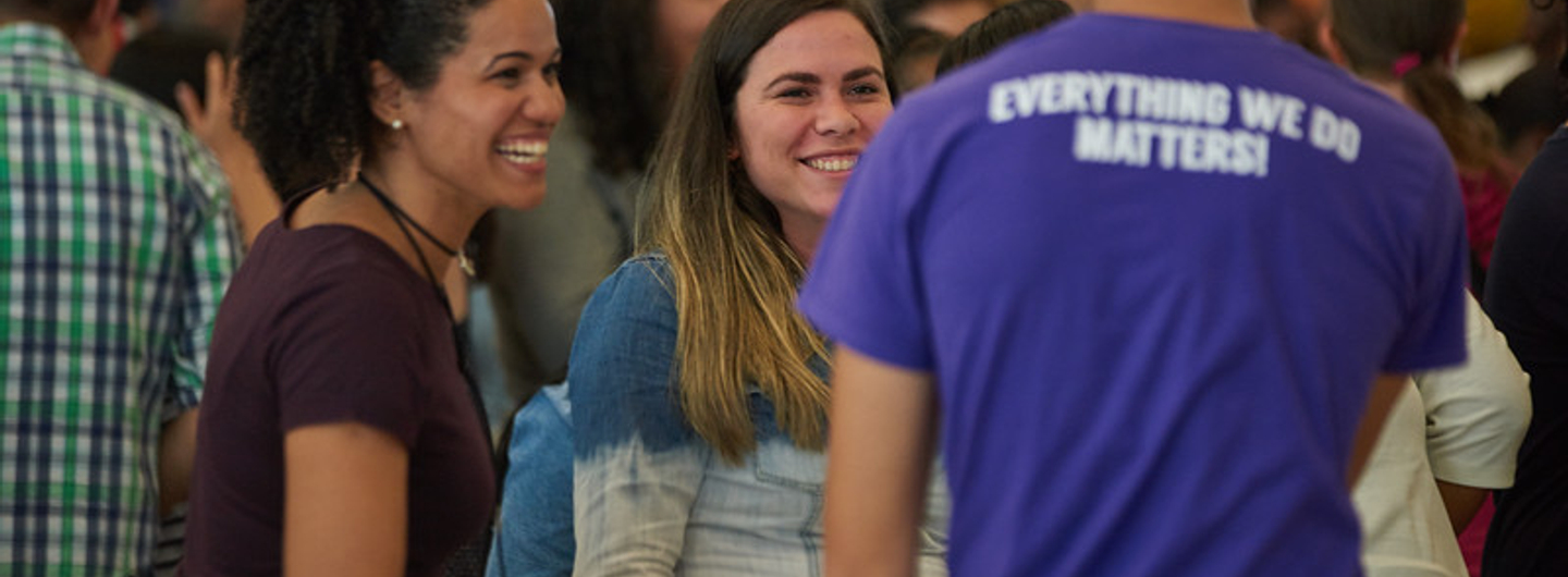 Picture of students in orientation connecting with student ambassador