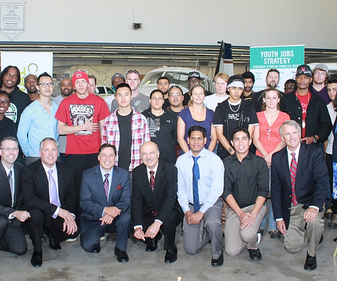 Ontario Ministers and students at Ashtonbee Campus