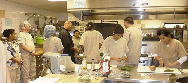 Five truths about a career as a Food Service Worker Image