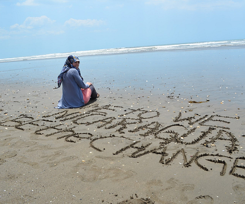 Photo of Suzanne Kanso on the beach of Nicaragua