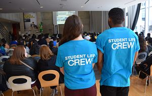 picture of centennial college student life enhancement volunteers at centennial welcomes