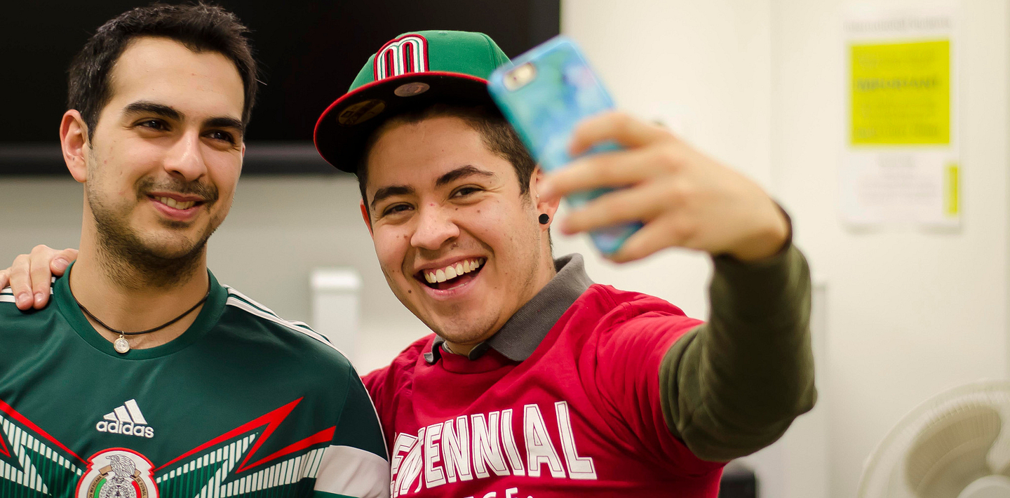 picture of Centennial College International Students taking a selfie